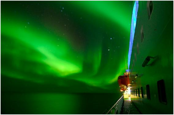 Northen lights at sea