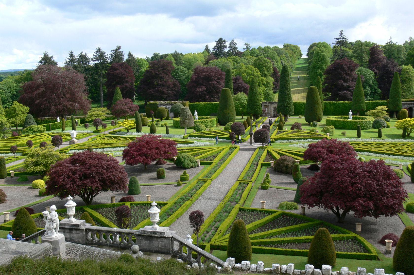 Feliz s gardens