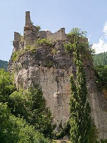 220px castelbouc chateau 01