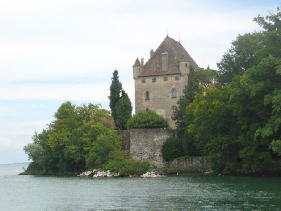 3645348 castle yvoire