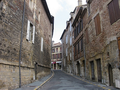 Bergerac medieval streets2 400x300