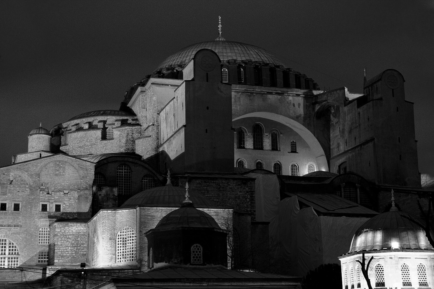 Hagia sophia at night2