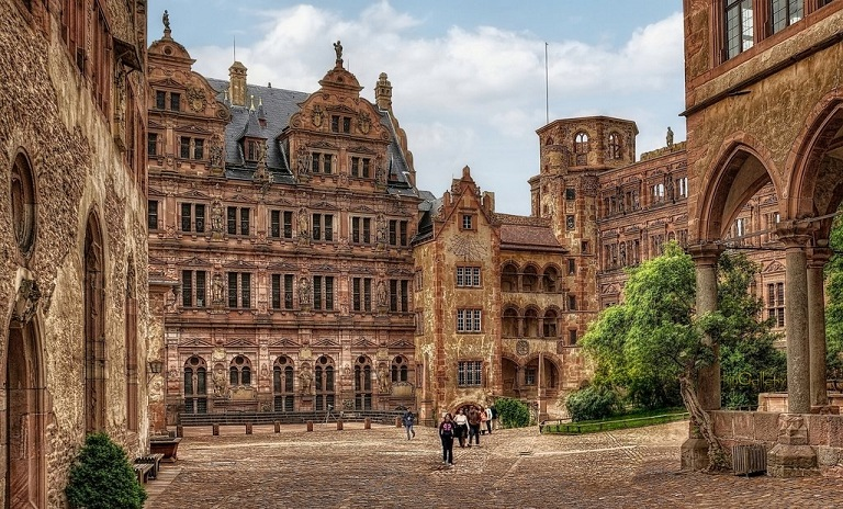 University of byron falls   castle ruins in heidelberg