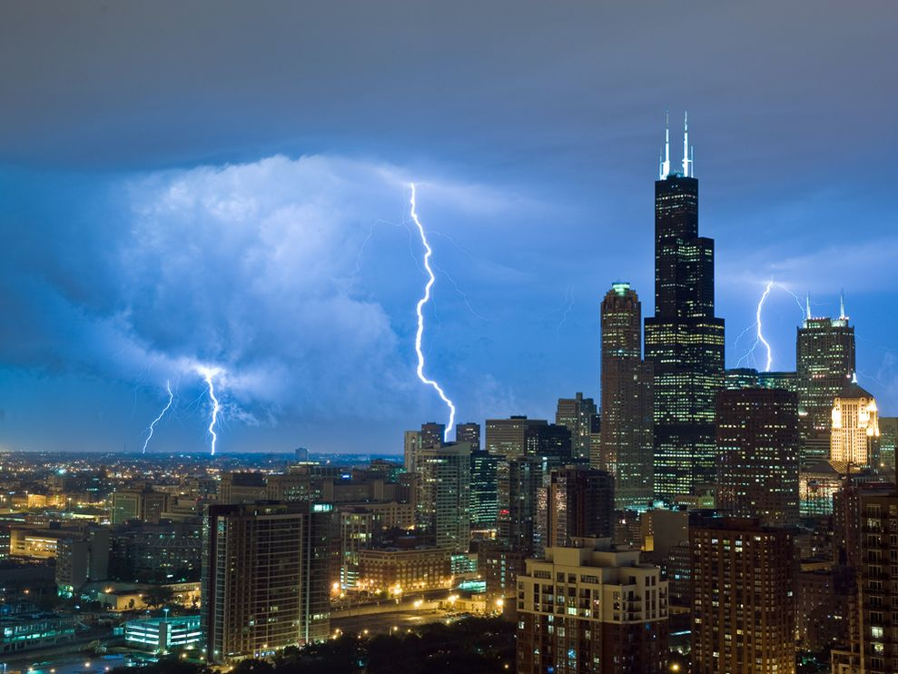 Lightning sears tower chicago 25301 990x742
