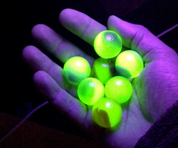 111122 coslog marbles 2p.photoblog600