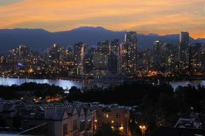 9256738 city of vancouver at night in british columbia canada