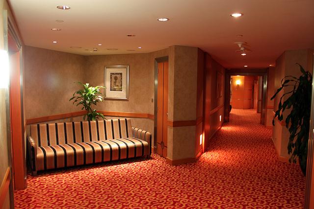 Restroom entryhall