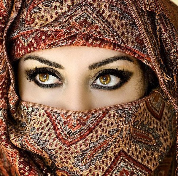 Berber woman eyes