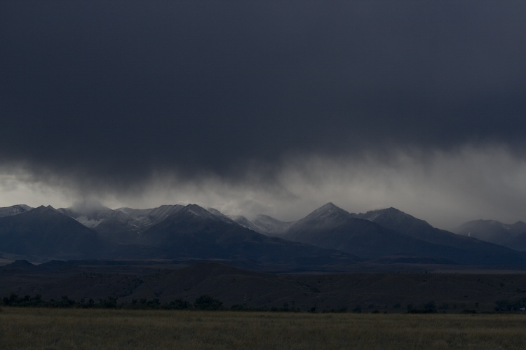 Distant mts.
