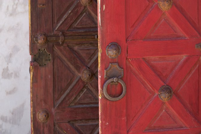 Scottys two red doors m