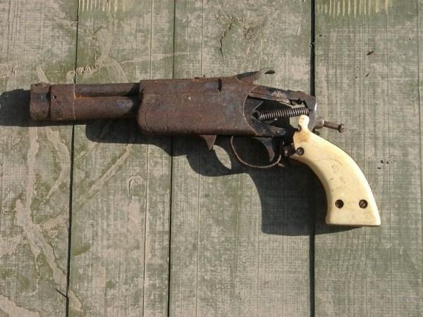 Thundergrip pistol
