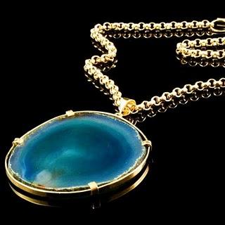 De la torre   18 karat gold vermeil and green agate pendant