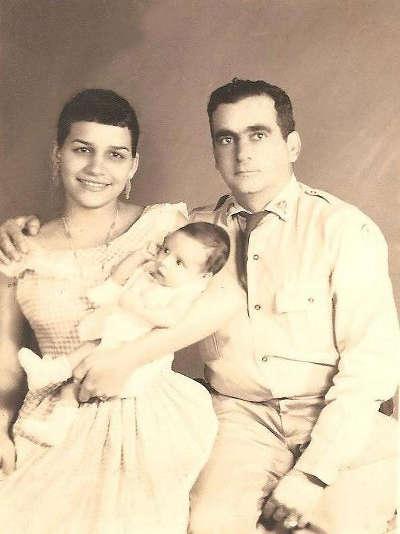 mama, tata i mala Alejandra