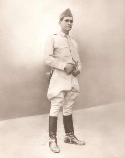 general Sanchez pod koniec skzoly oficerskiej
