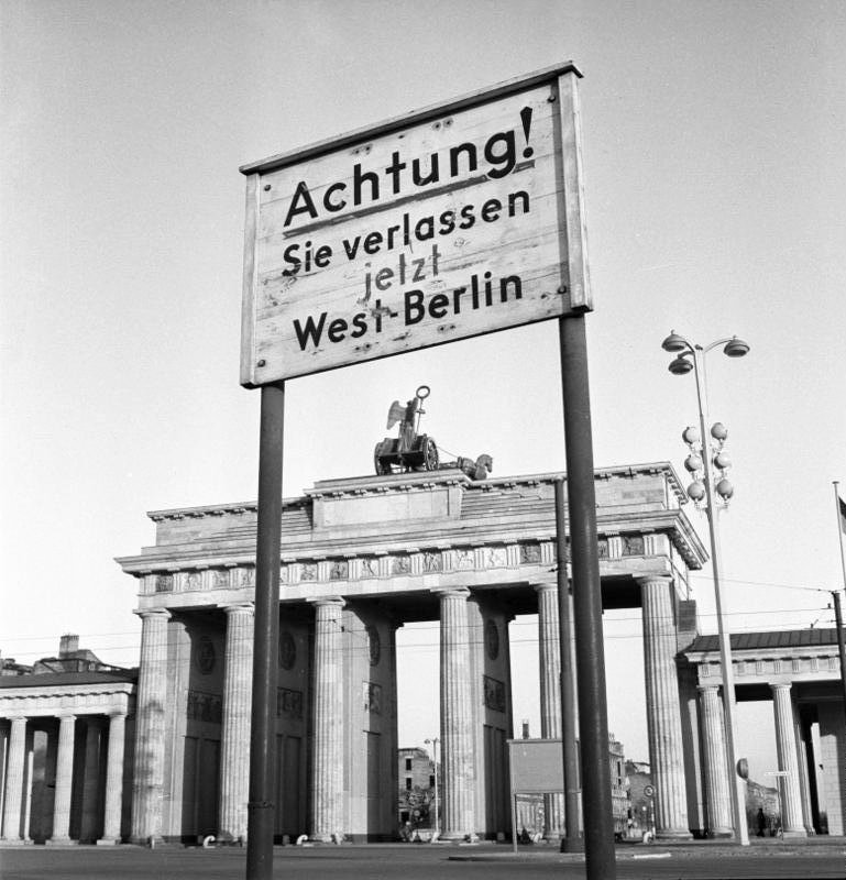 Bundesarchiv b 145 bild 047269  berlin  brandenburger tor