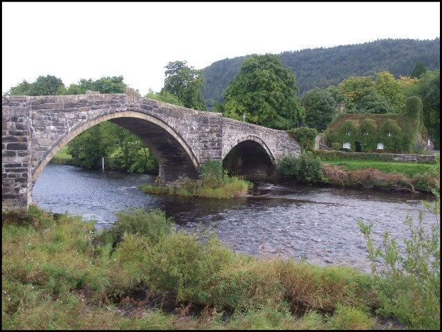 Bridge over the White River