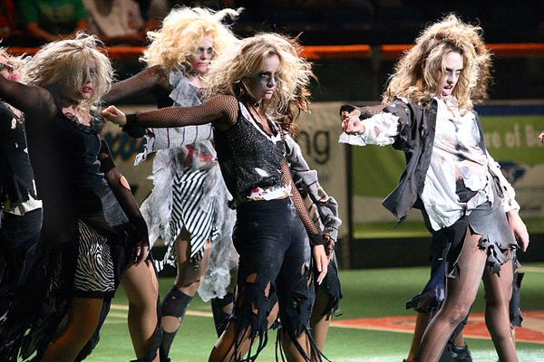 Thriller 20dance 203