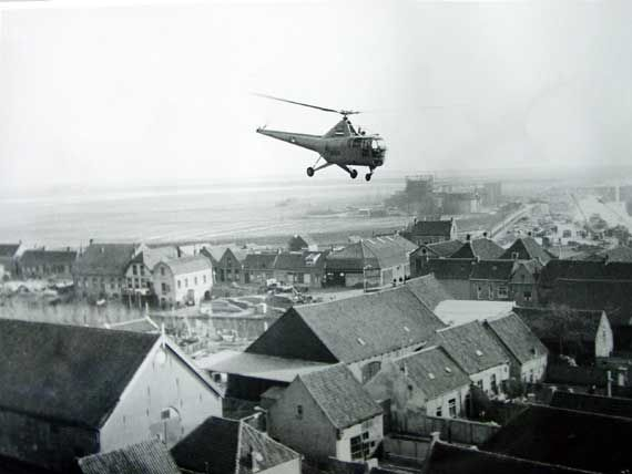 Us army helicopter rescue oude tonge flood feb1953