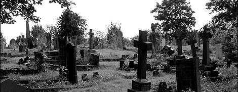Radnor street cemetery 1 470x353