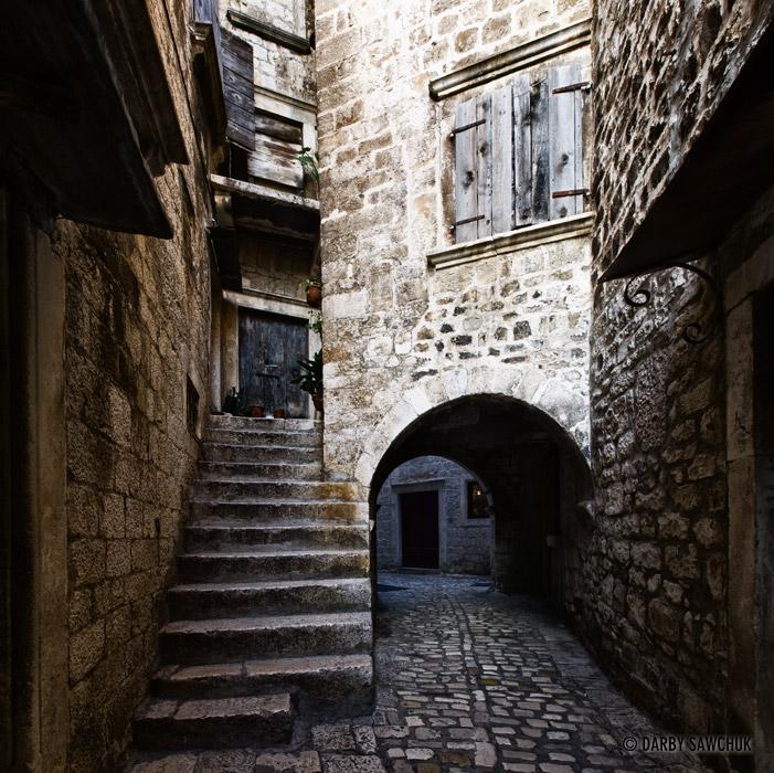 Cobblestone alley