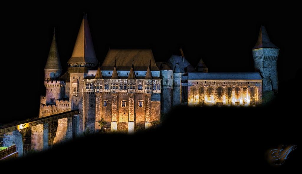 Hunedoara corvin castle ammmit